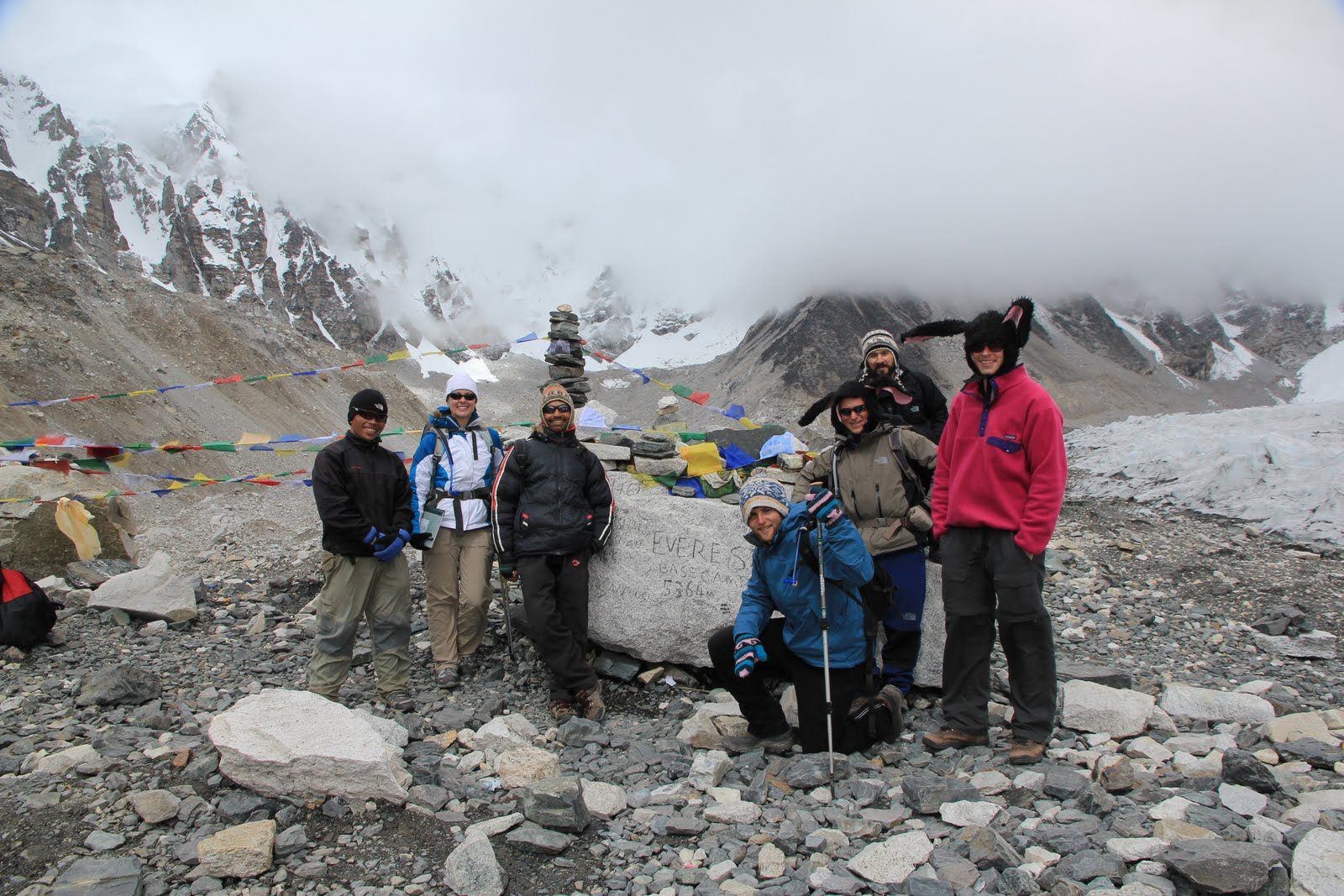group shot on everest
