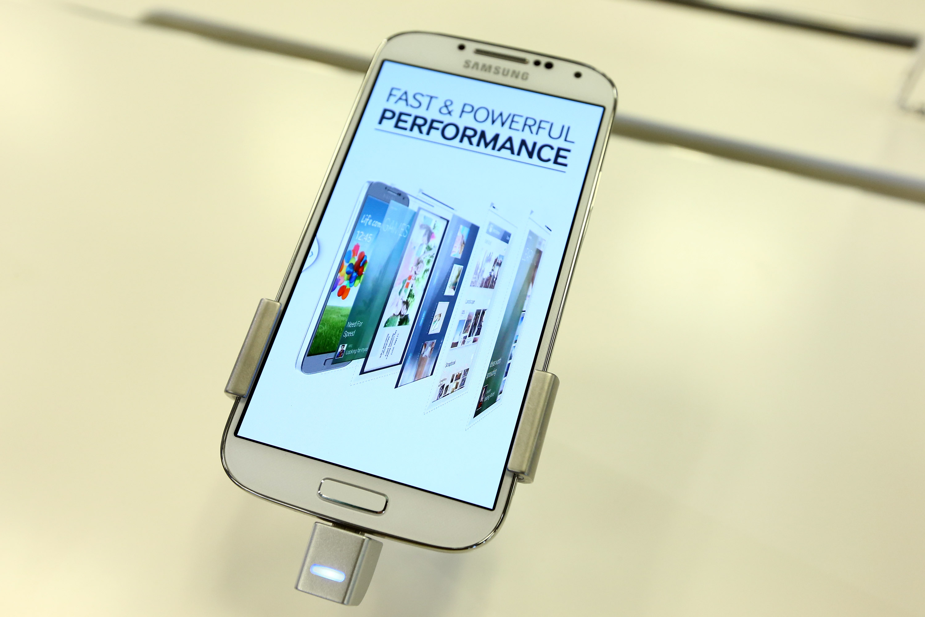 Samsung and Best Buy open Samsung Experience Shop with bash