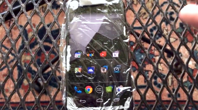 Motorola-Moto-X-1-plastic
