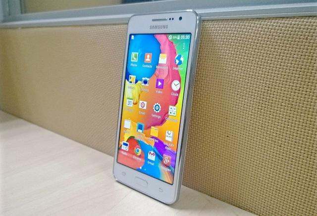 Samsung-Selfie-Phone