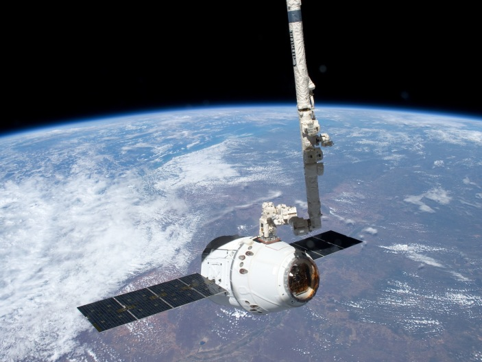 spacex-dragon-1600