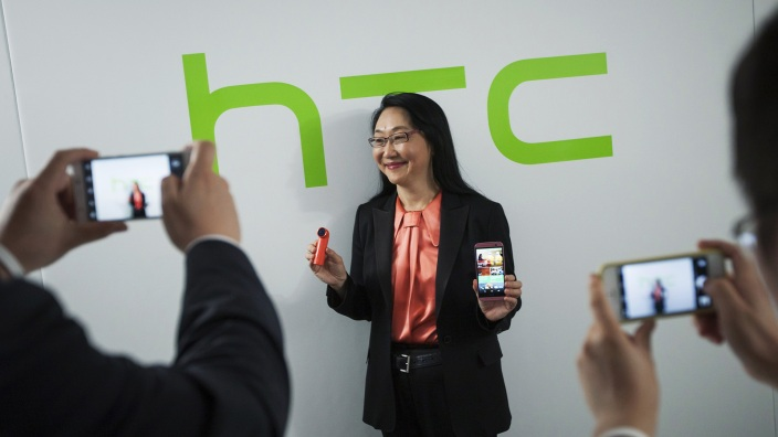 3044081-poster-p-1-htc-switches-ceos-and-shifts-into-the-wearables-game