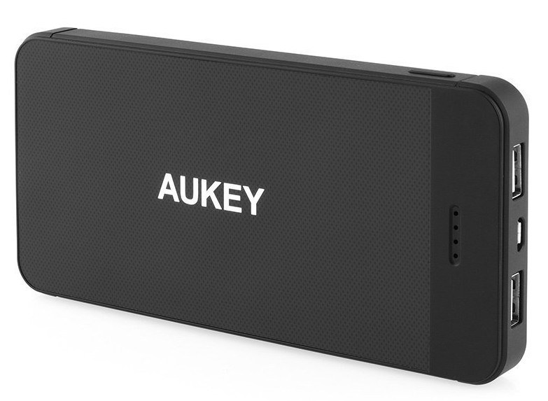 aukey-12000mah-portable-power-bank-e1438701607887