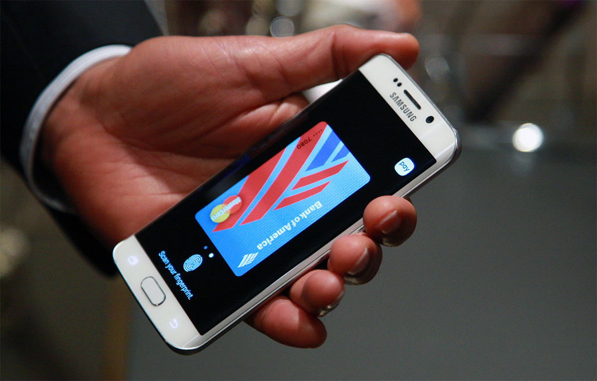 Samsung Pay in action (via Engadget)