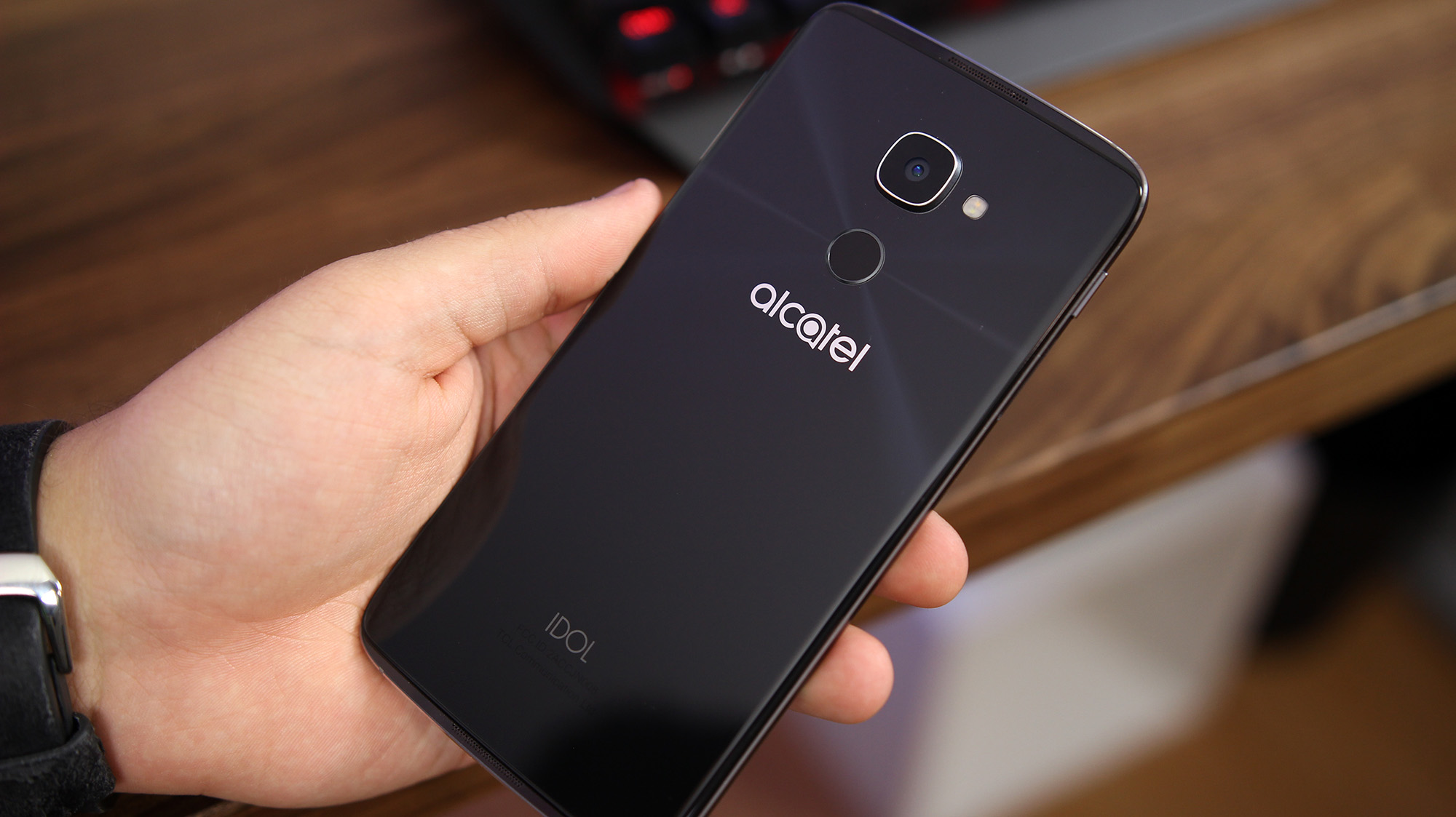 alcatel_idol4s_2