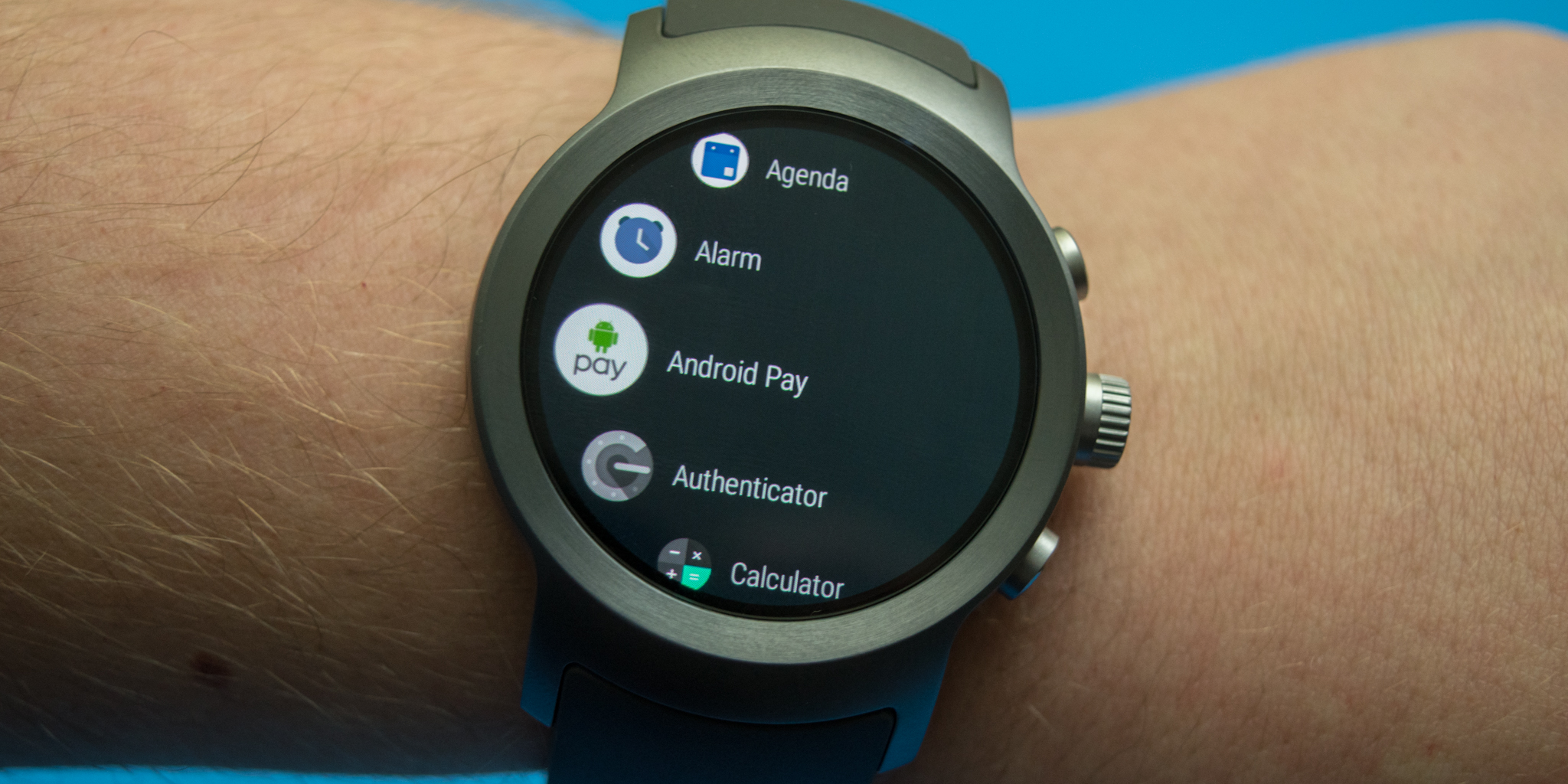 Upcoming Android Wear 2.9 update adds new notification indicator to all watch faces