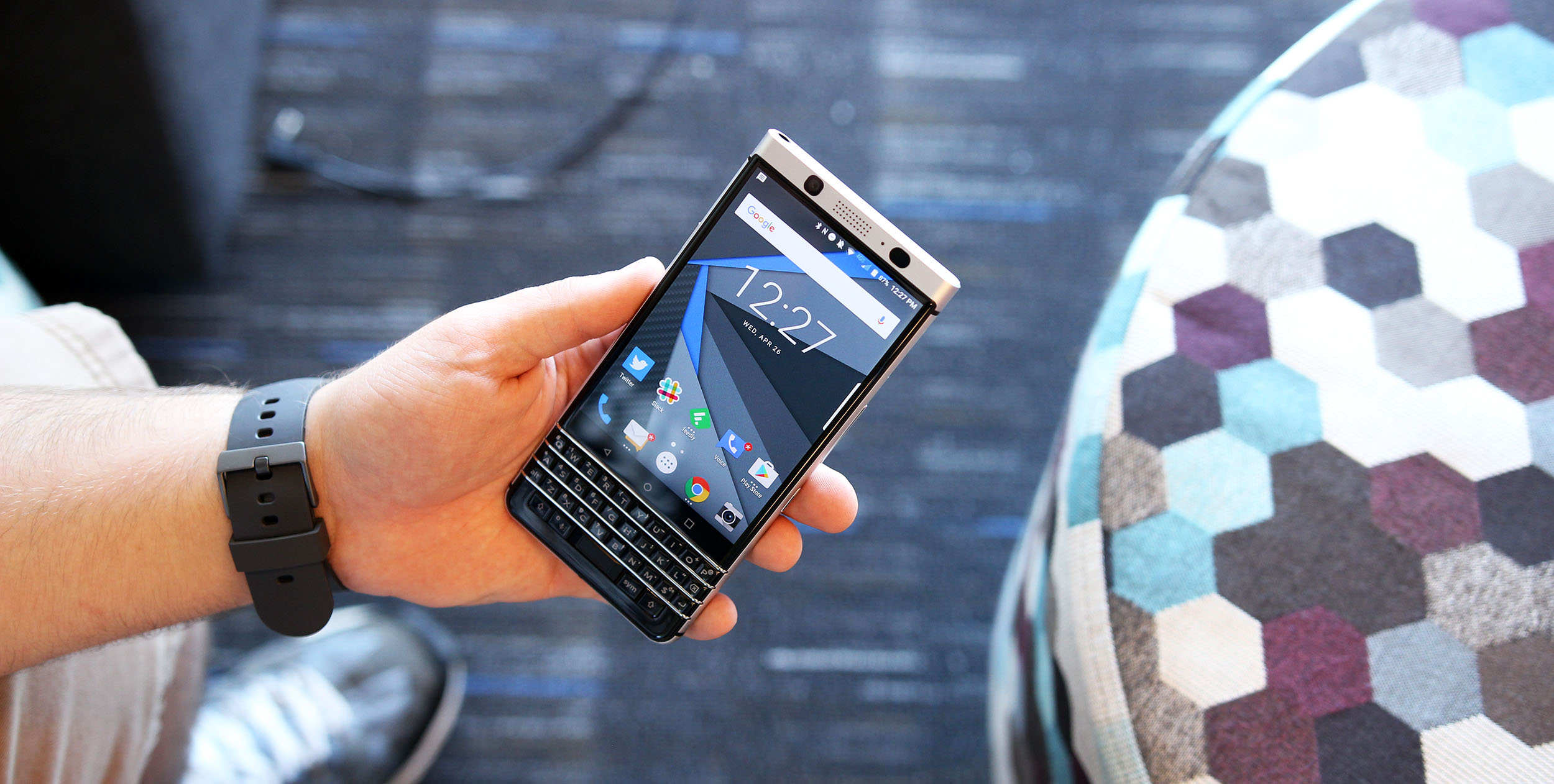 blackberry keyone gets an android oreo invite only beta release