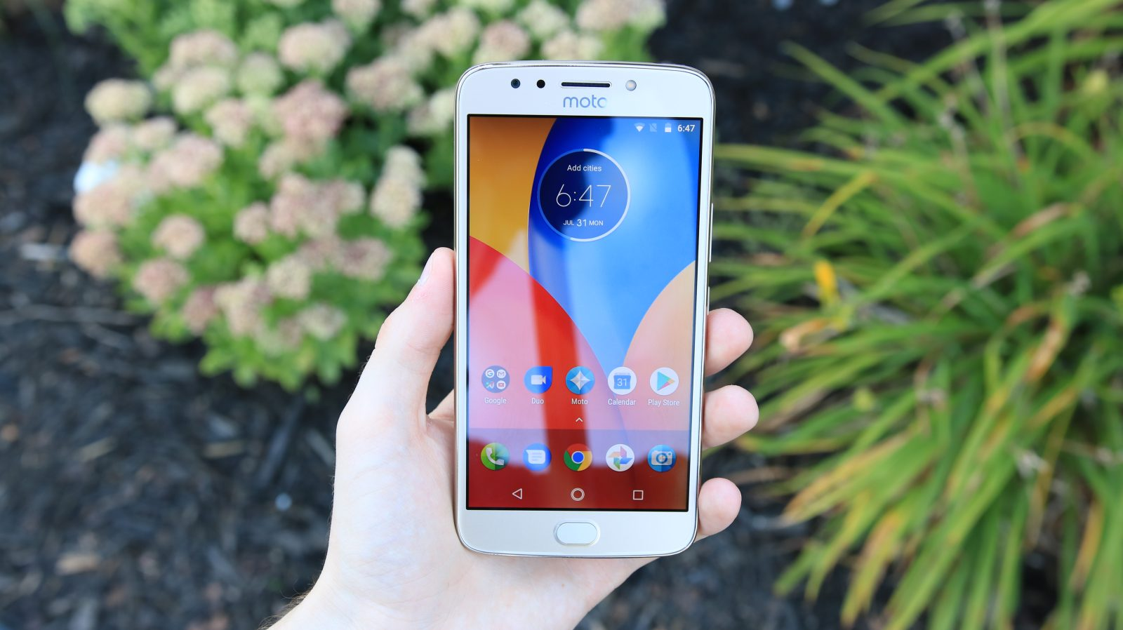Hands-on: Moto E4 Plus has 5 big differences compared to the