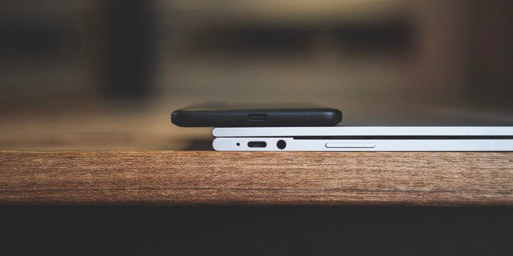 The EU wants to force all smartphone manufacturers to adopt USB-C