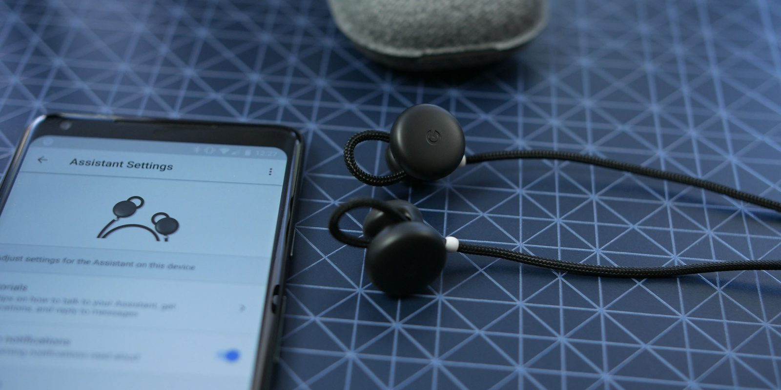 How to use Google Pixel Buds to translate foreign languages