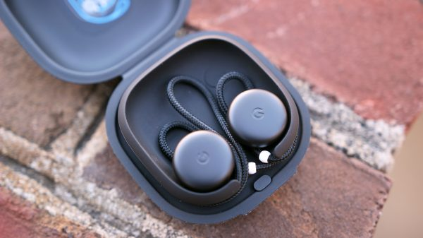 Review: Google's Pixel Buds are the smartest earbuds you can