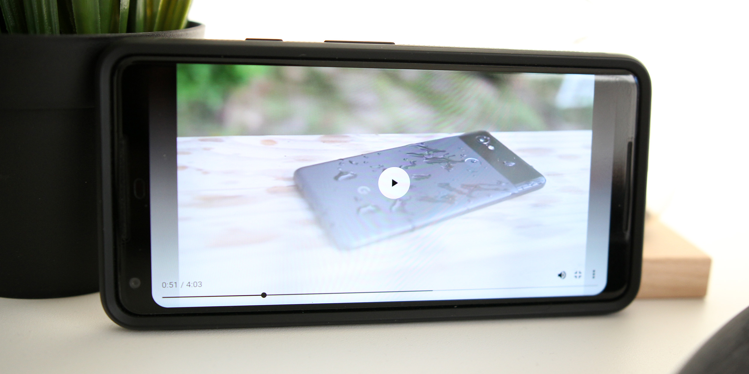 Chrome for Android gets a redesigned video player, tap to rewind