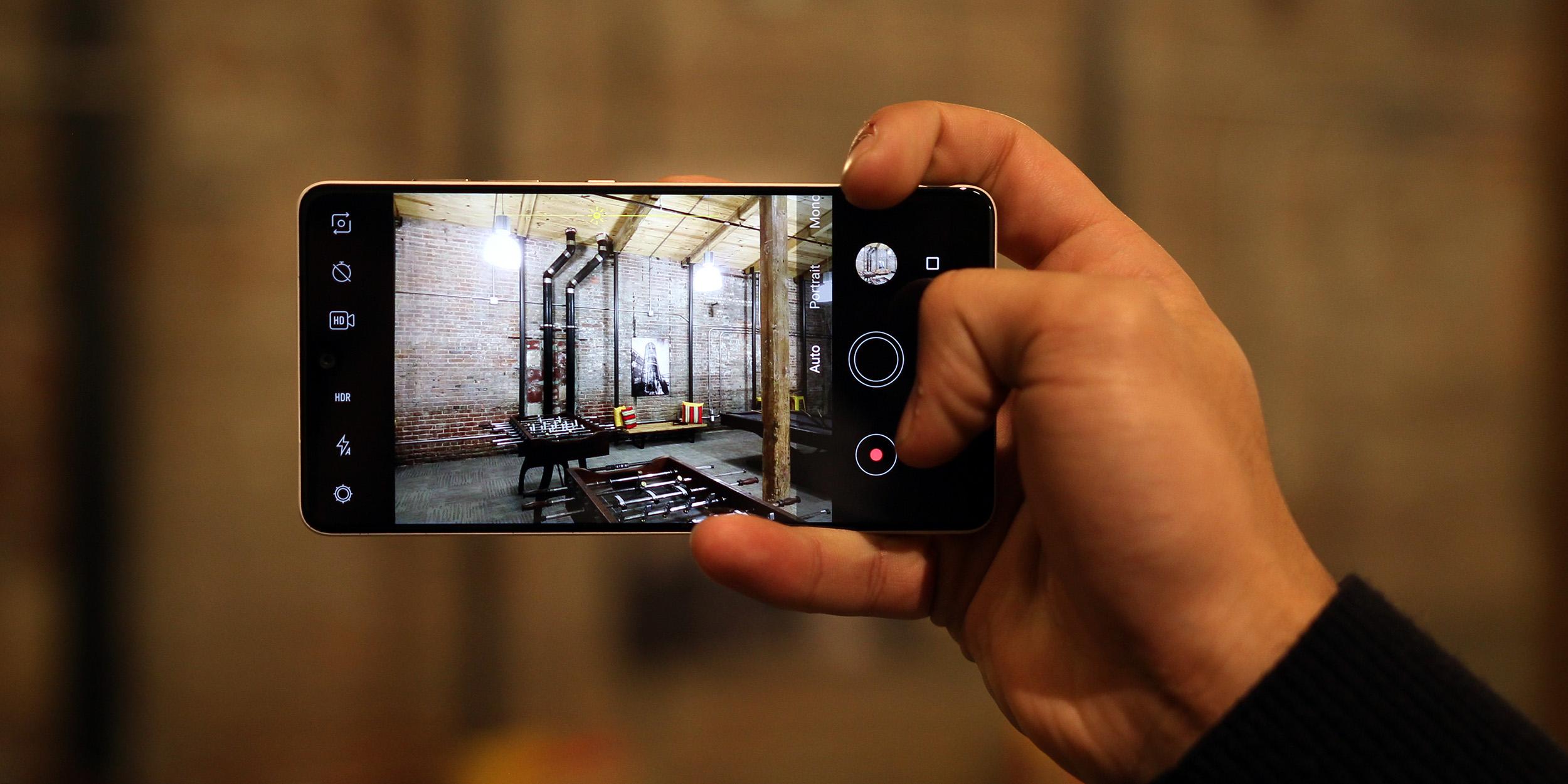 Google pixel 2 camera apk for essential phone | How to get
