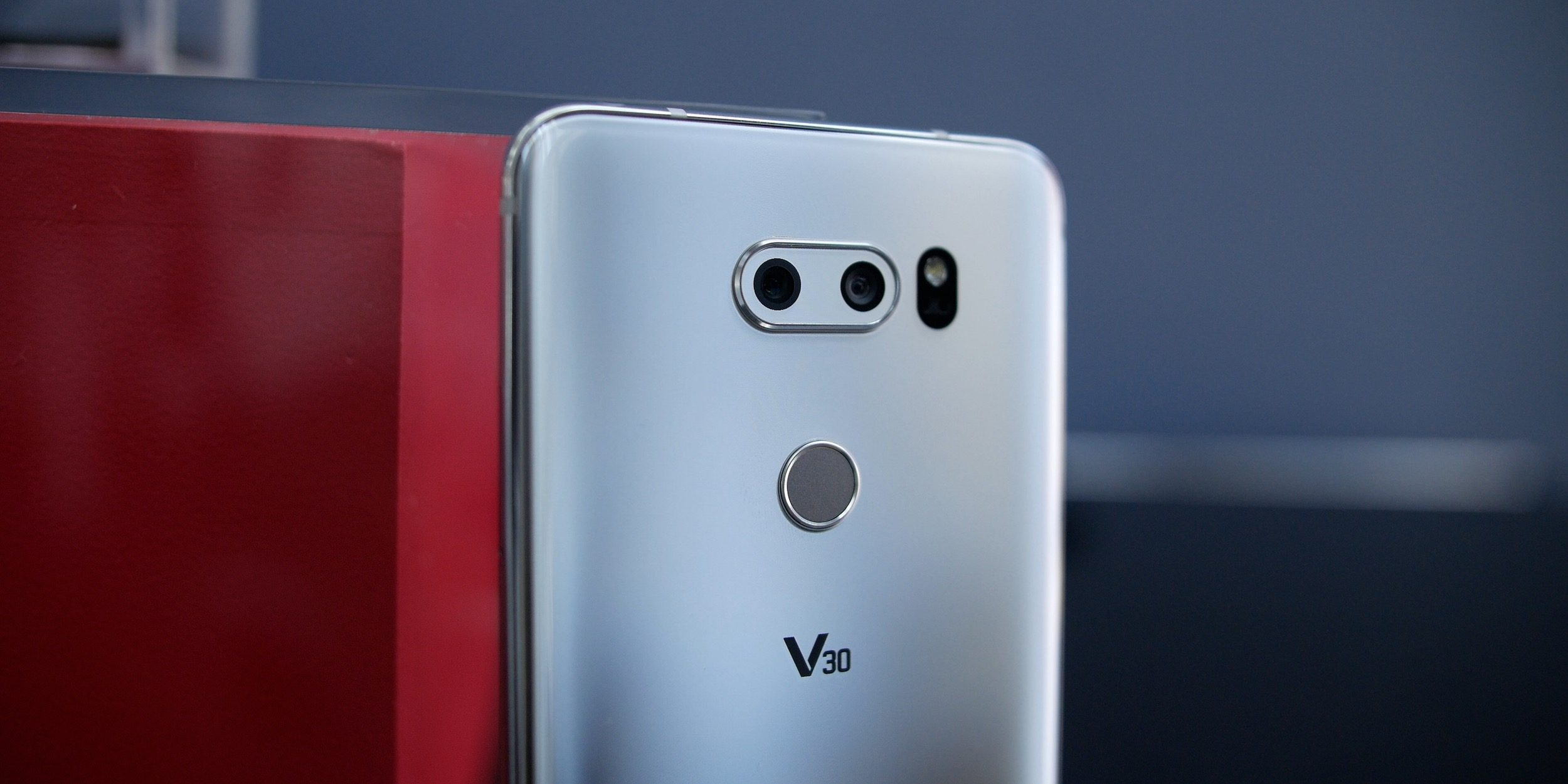 LG V30 picking up Android Oreo update on T-Mobile and unlocked