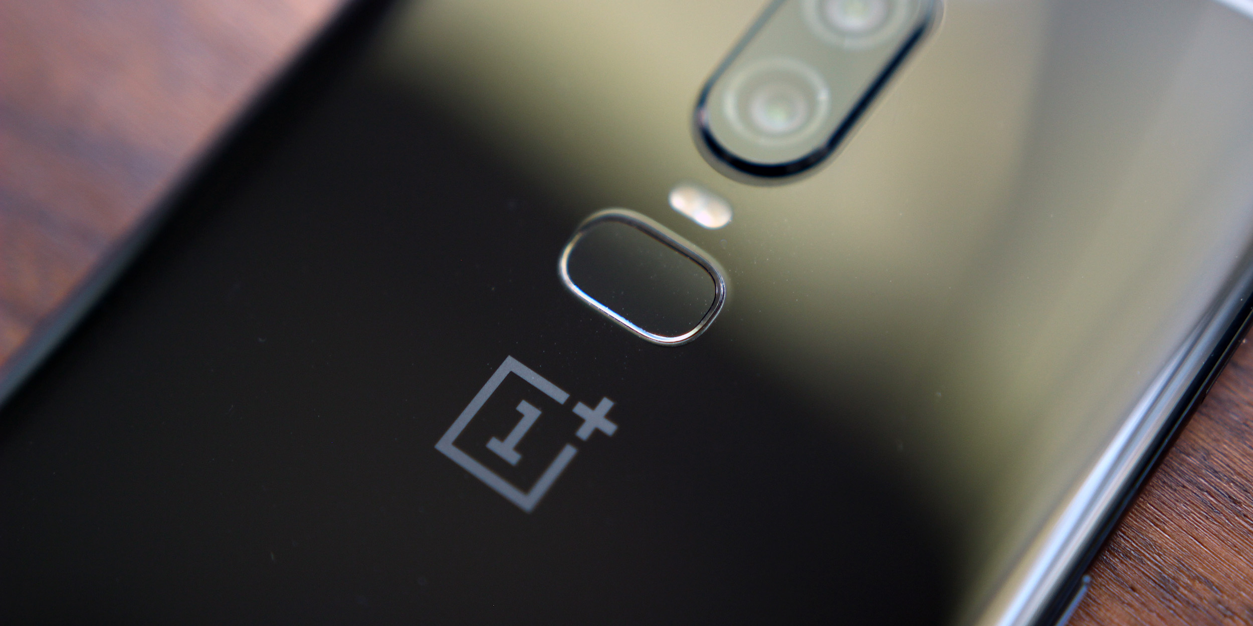 oneplus 6 5 5t add google lens camera shortcut photo quality improvements in latest updates