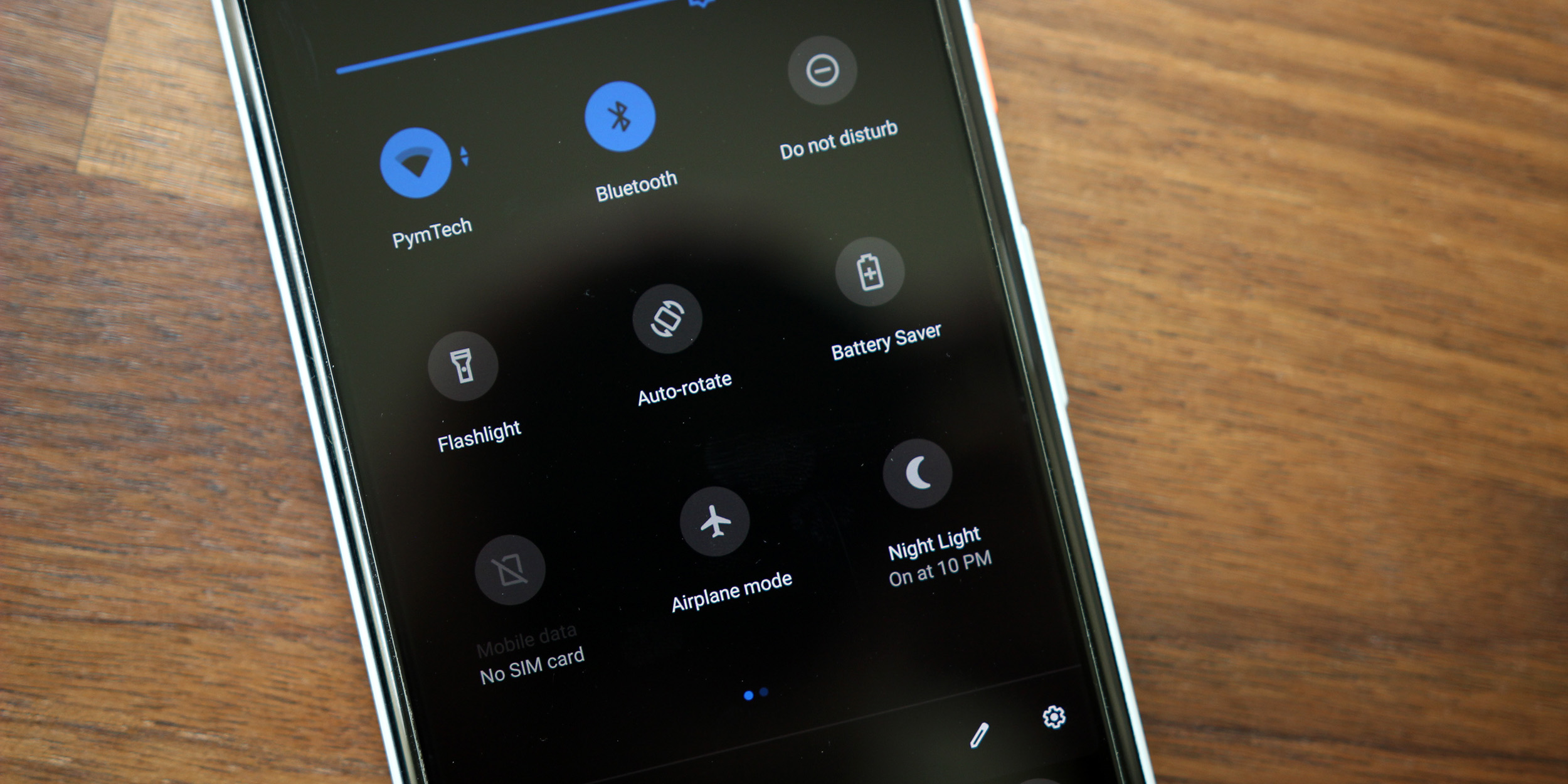 how to change google now to black theme