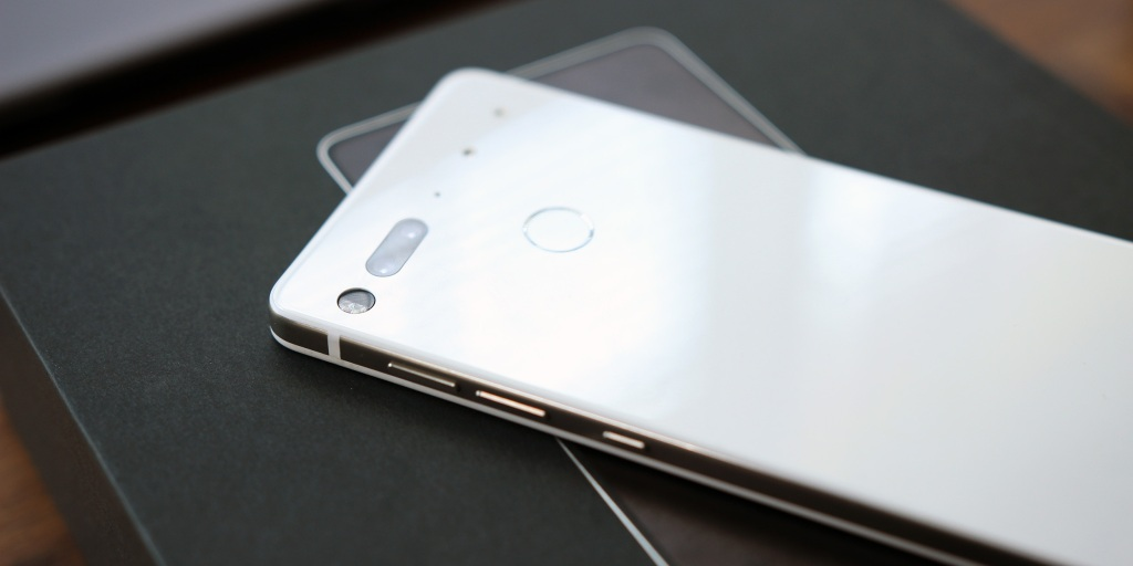 Essential Phone gets Android Q Beta 4 barely an hour after Google Pixel