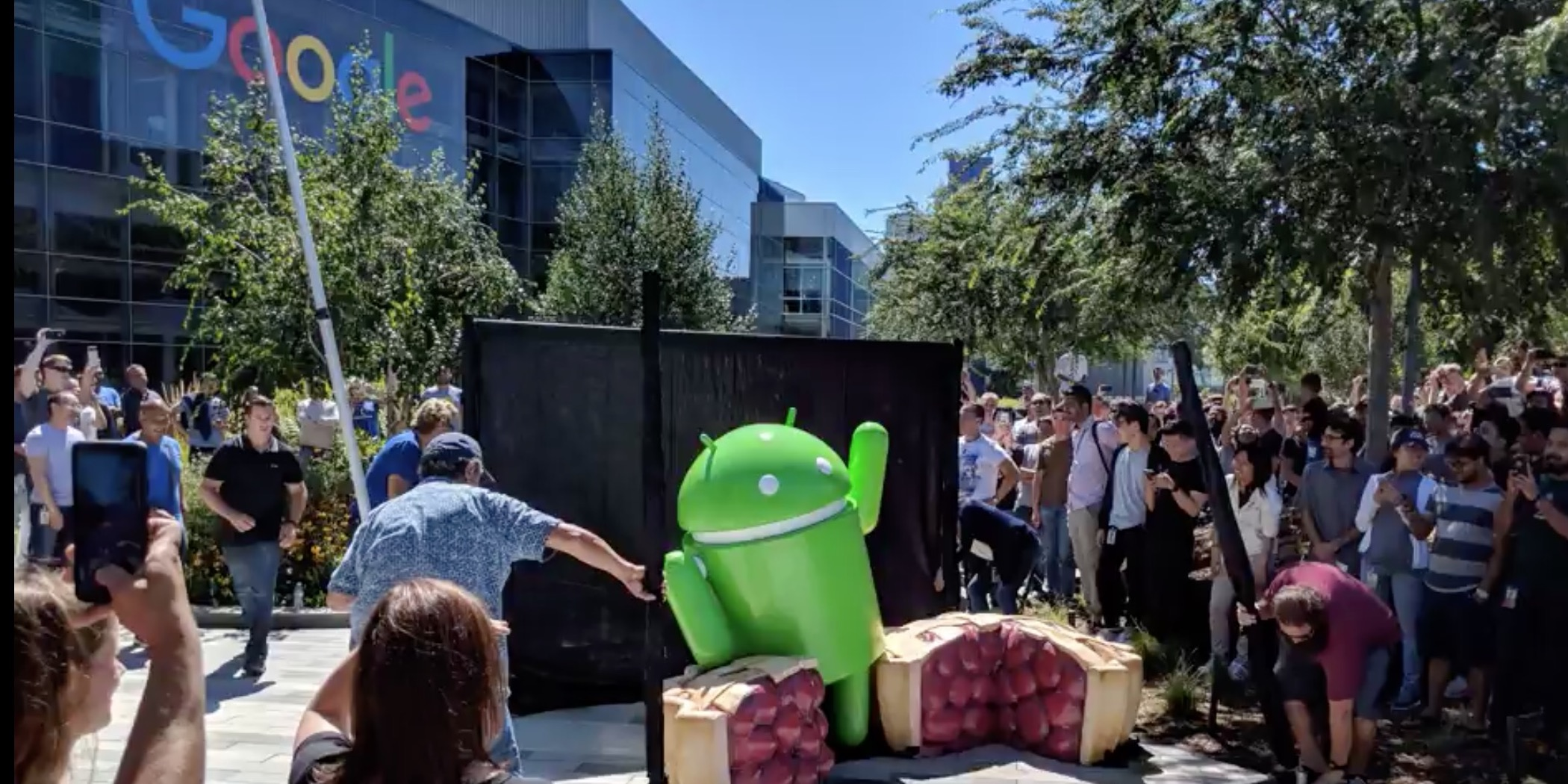 google unveils the new android pie statue at the googleplex