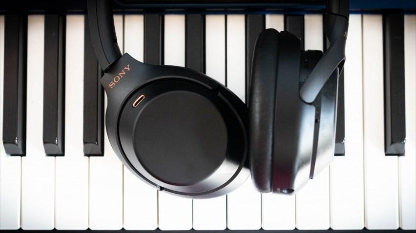 be4fb3ea333 Sony WH-1000XM3 noise-canceling headphones will include Google Assistant &  USB-C for $349