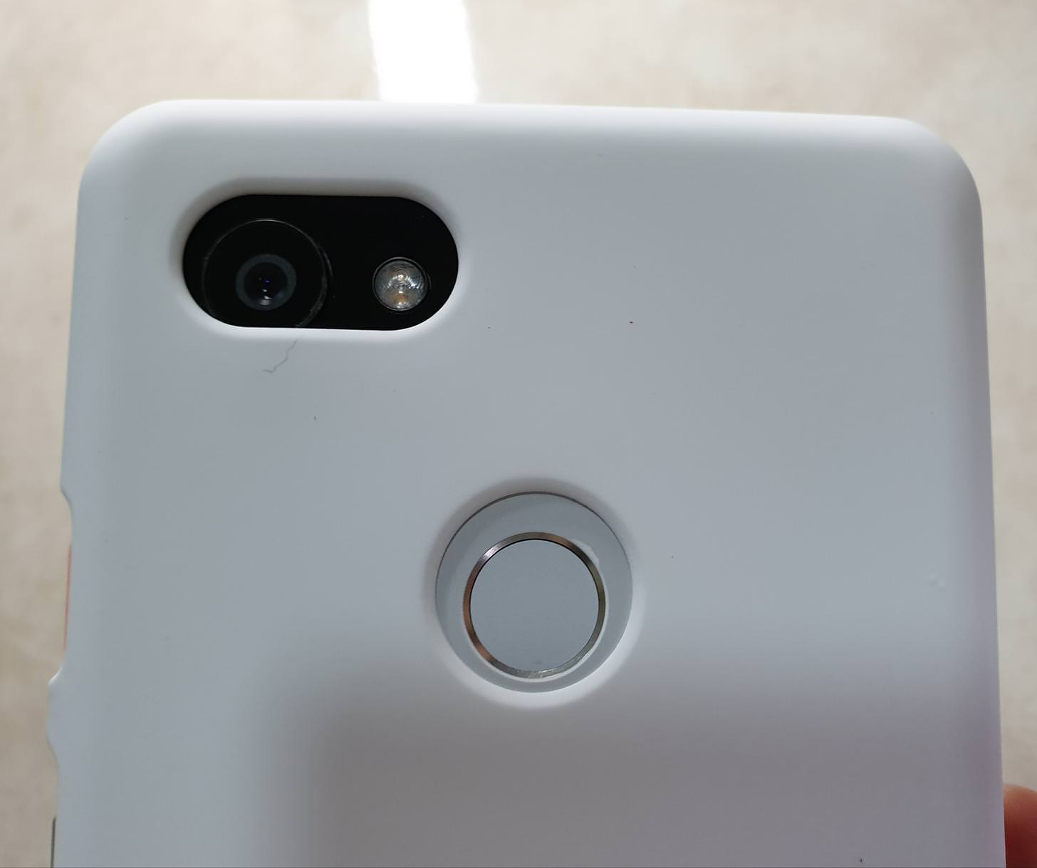 competitive price 18547 71e8c Images show how Google Pixel 3 XL cases fit on Pixel 2 XL - 9to5Google