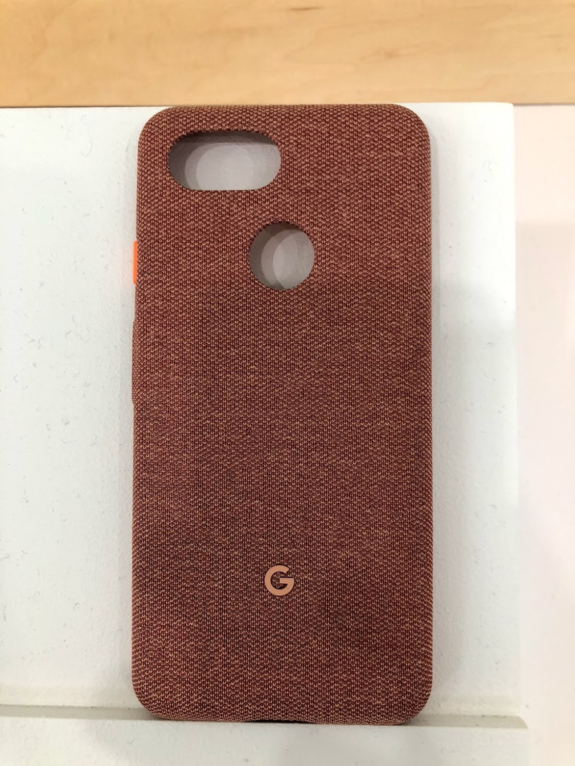 newest df6e4 cd7b4 Hands-on: Every 'Made by Google' fabric case for Pixel 3 and Pixel 3 ...