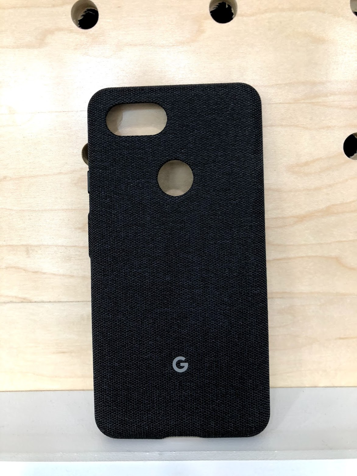 newest 49f92 d353b Hands-on: Every 'Made by Google' fabric case for Pixel 3 and Pixel 3 ...