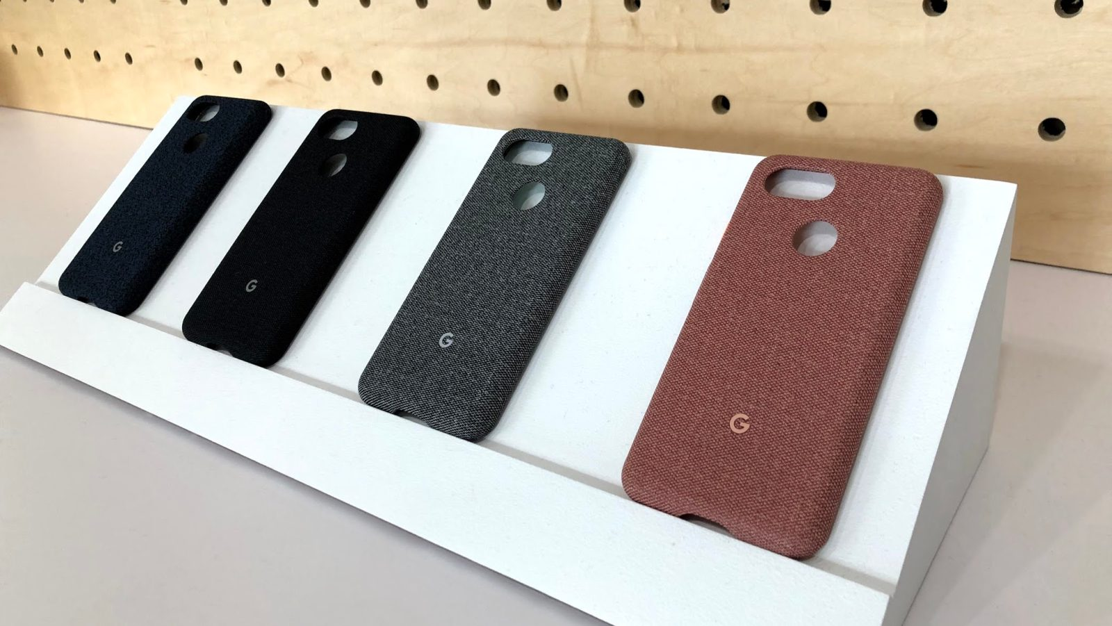 newest 9c6f2 707c2 Hands-on: Every 'Made by Google' fabric case for Pixel 3 and Pixel 3 ...
