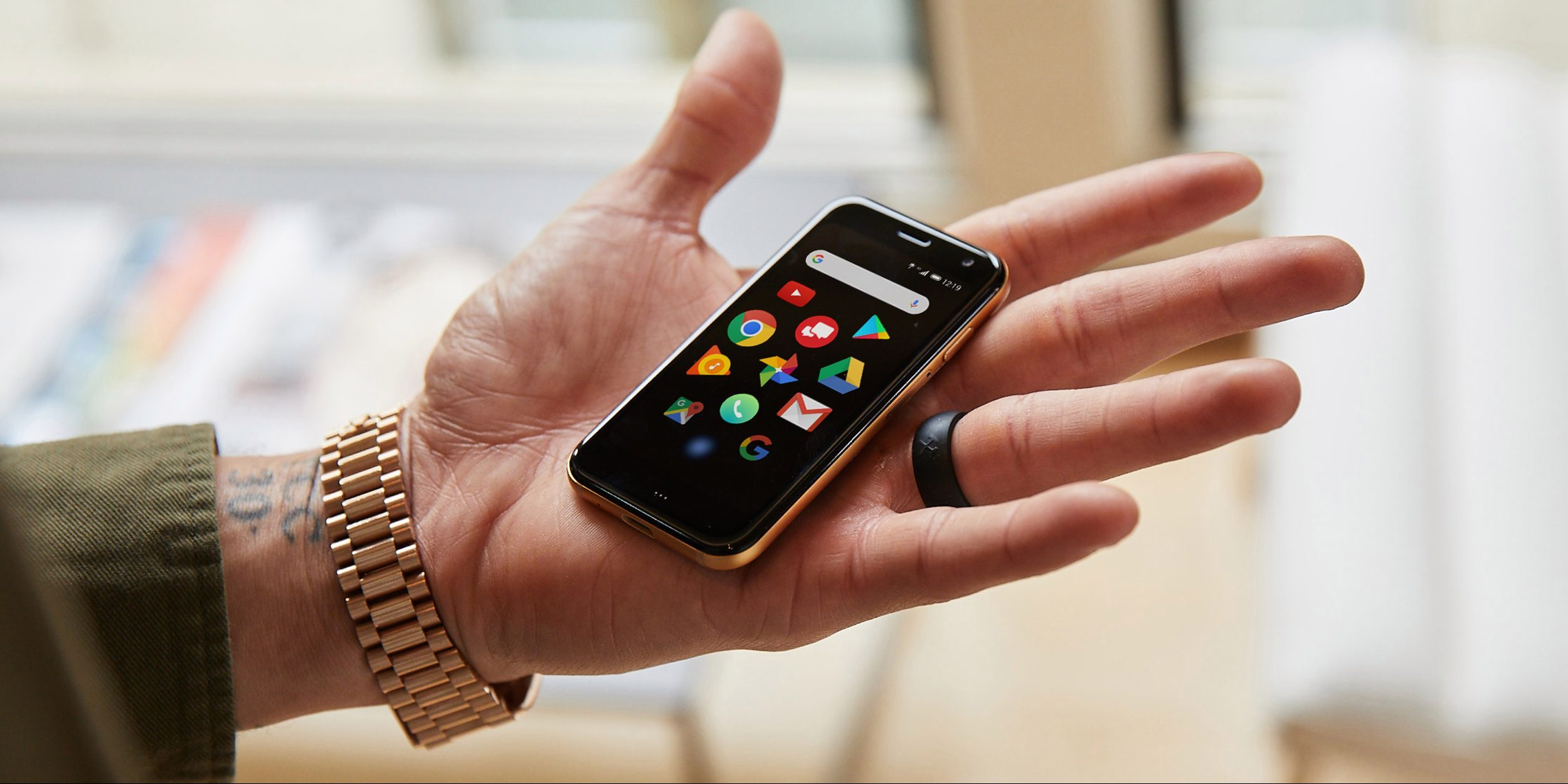 Palm Phone goes official as a 'companion' to your standard phone, launches November as $349 Verizon exclusive