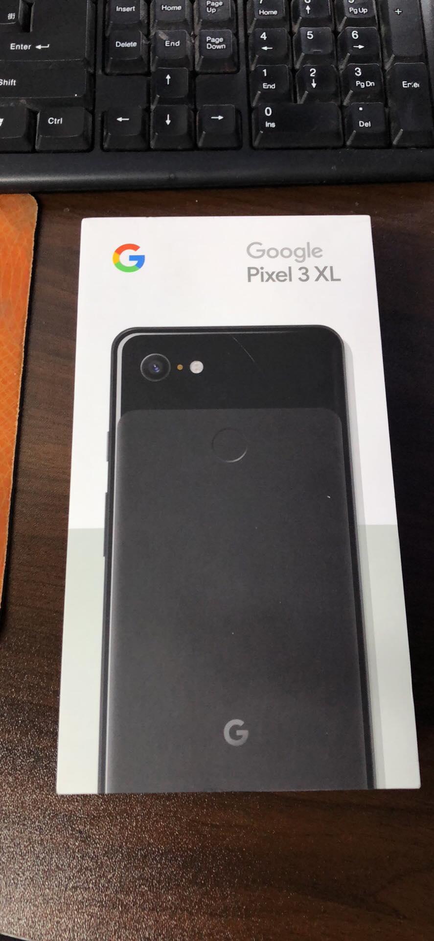 Photos of Google Pixel 3 installed apps, retail box