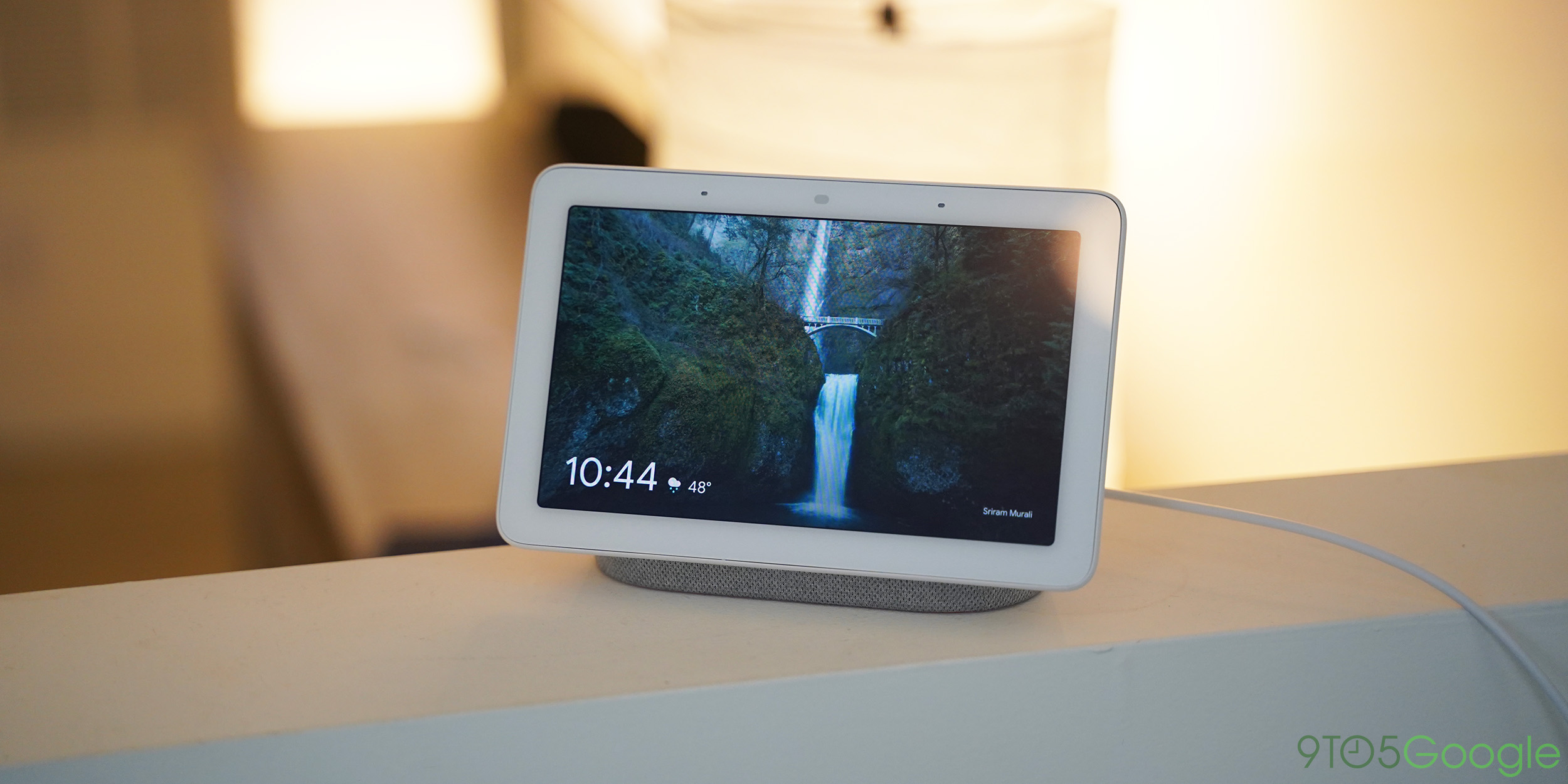 """Google bereitet die """"benutzerdefinierte"""" Lautstärke des Assistenten für Smart Displays und Home-Lautsprecher vor"""