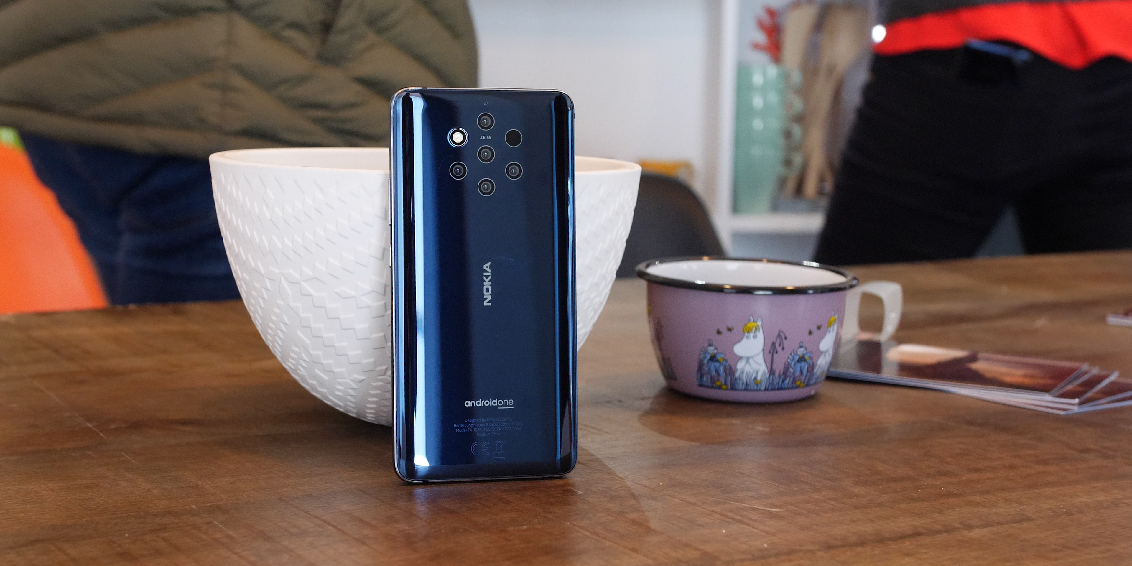 Nokia 9 PureView design and hardware smartphone