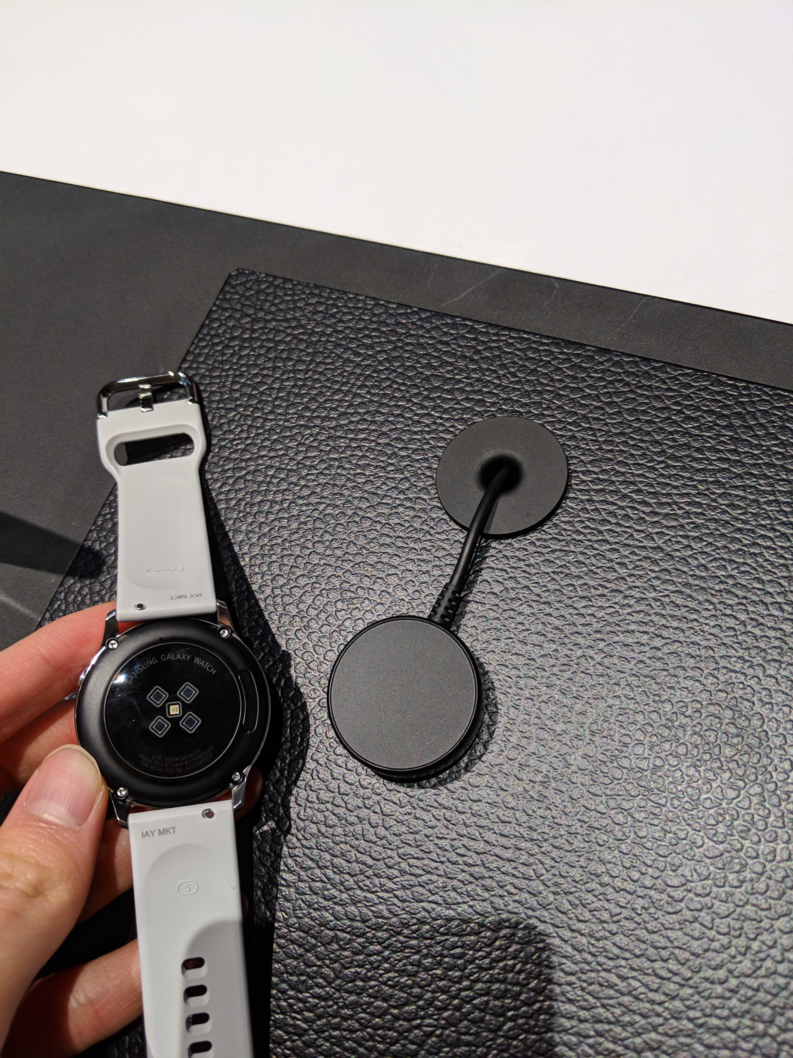 3abfba15da2274 Galaxy Watch Active tidbits: Downgraded charger, blood pressure details,  colors, more
