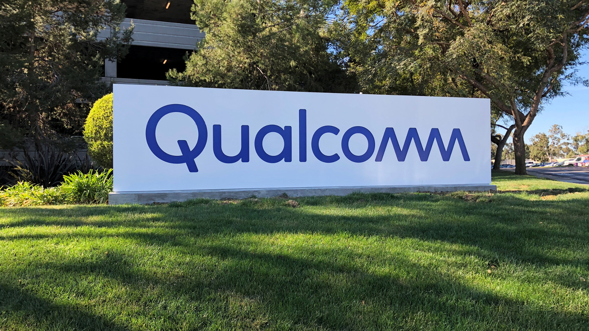 Qualcomm 215 brings performance and battery gains for affordable smartphones