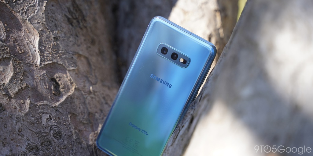 Samsung commits to monthly Galaxy S10 security updates