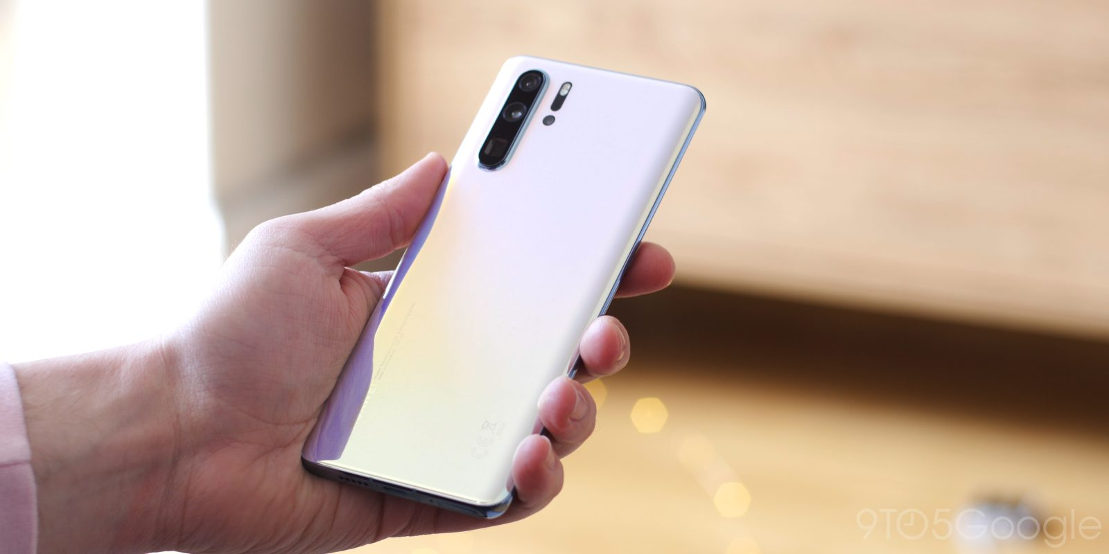 FedEx refused to deliver Huawei P30 Pro from UK to US