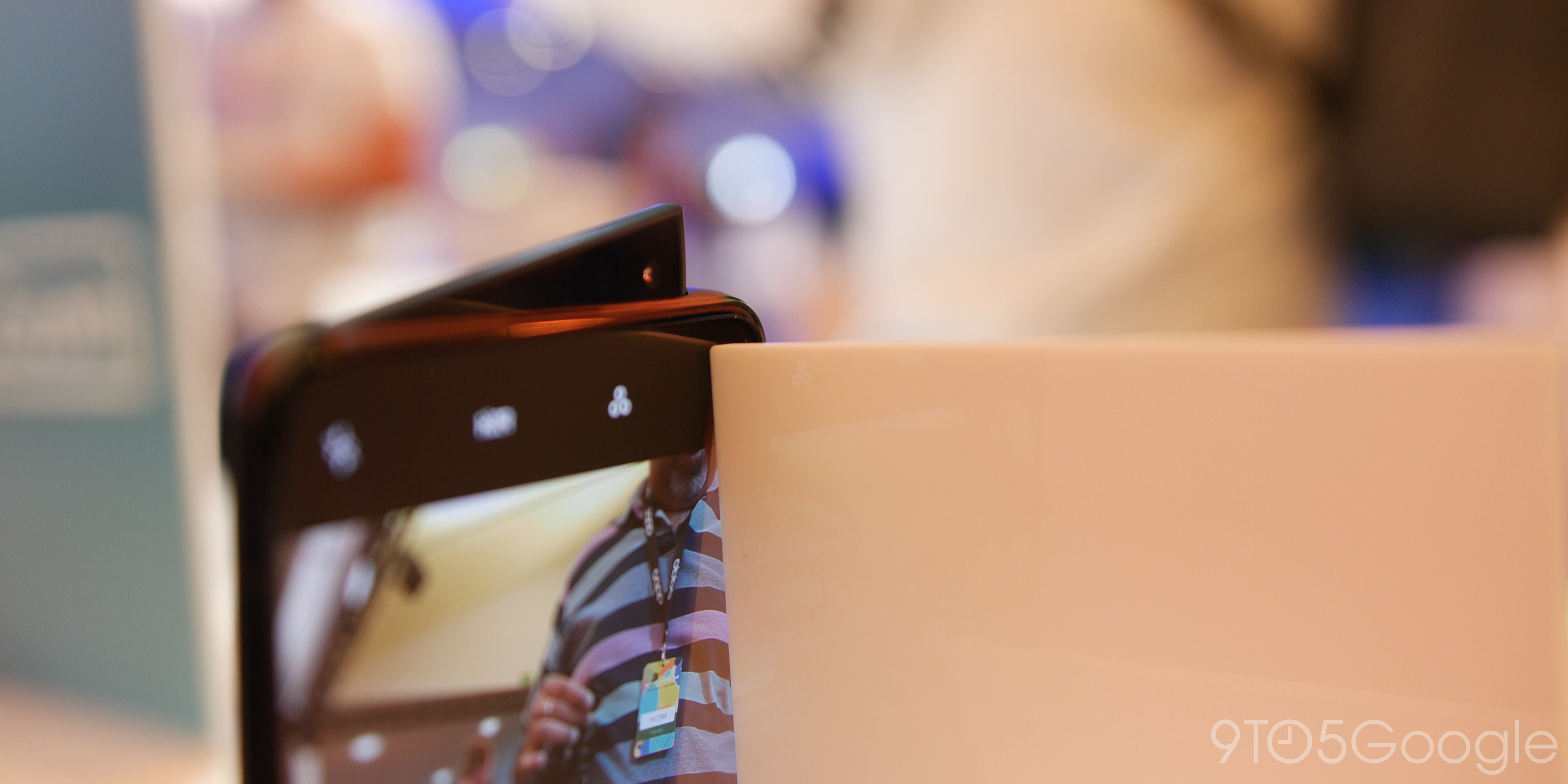 Oppo shark fin pop-up camera