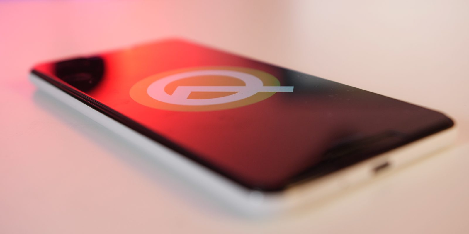 Android Q Beta 3: Adaptive sleep keeps your display on when you're