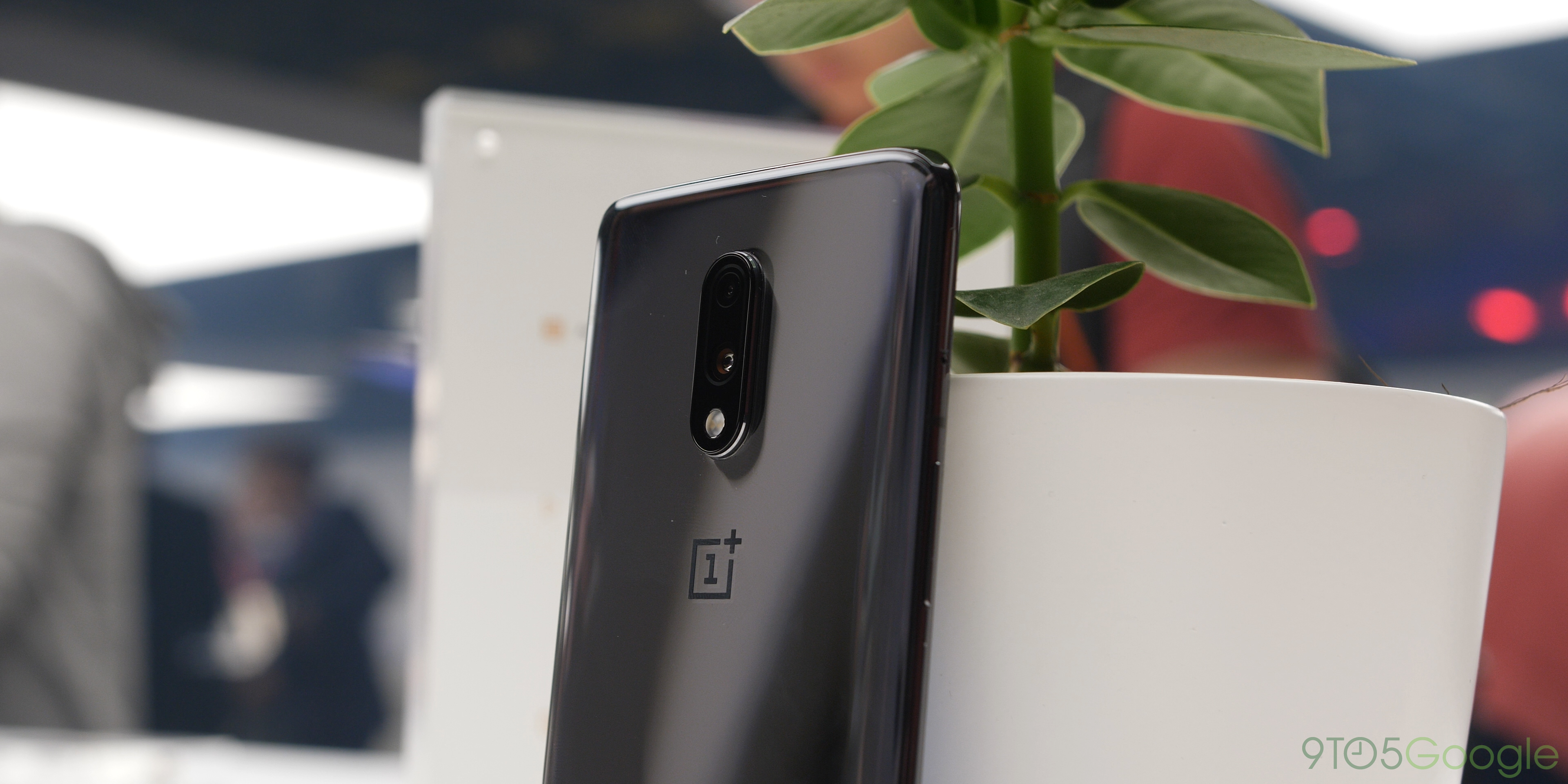OnePlus 7 smartphone hands-on