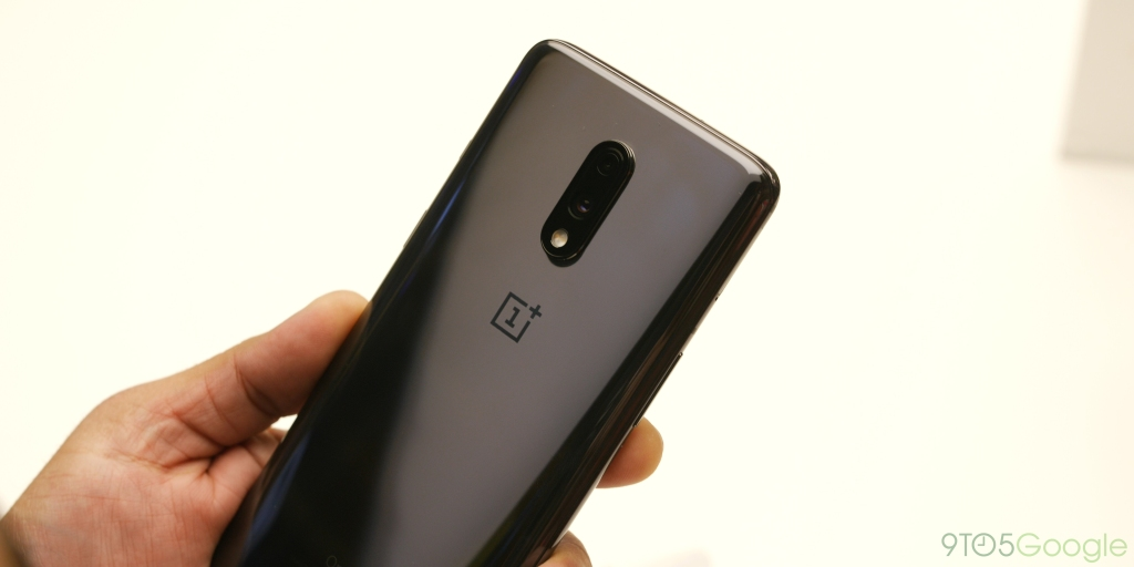 OnePlus 7 receiving Oxygen OS 9.5.4 update w/ DC Dimming, Fnatic mode, more