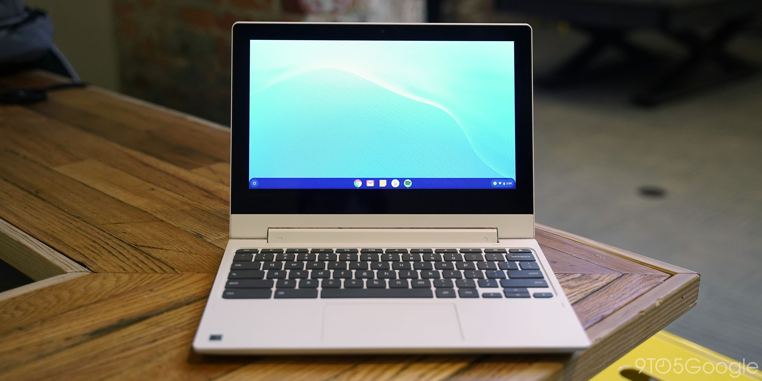 Review: Lenovo Chromebook C330 brings back the budget