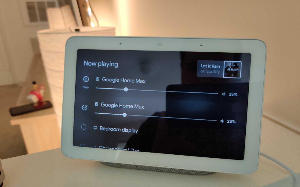 Smart Display speaker groups