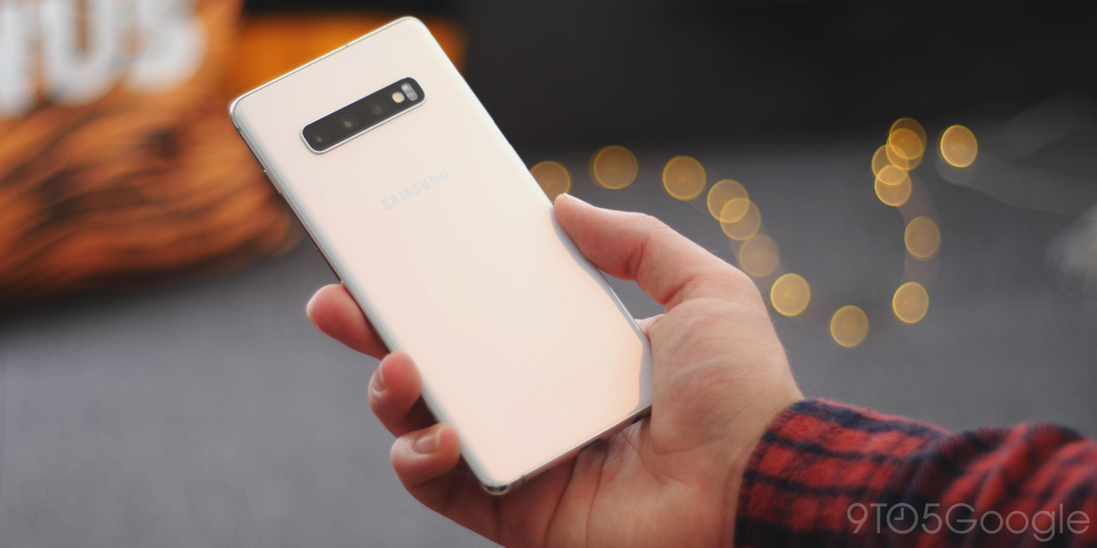 Samsung Galaxy S10+ design
