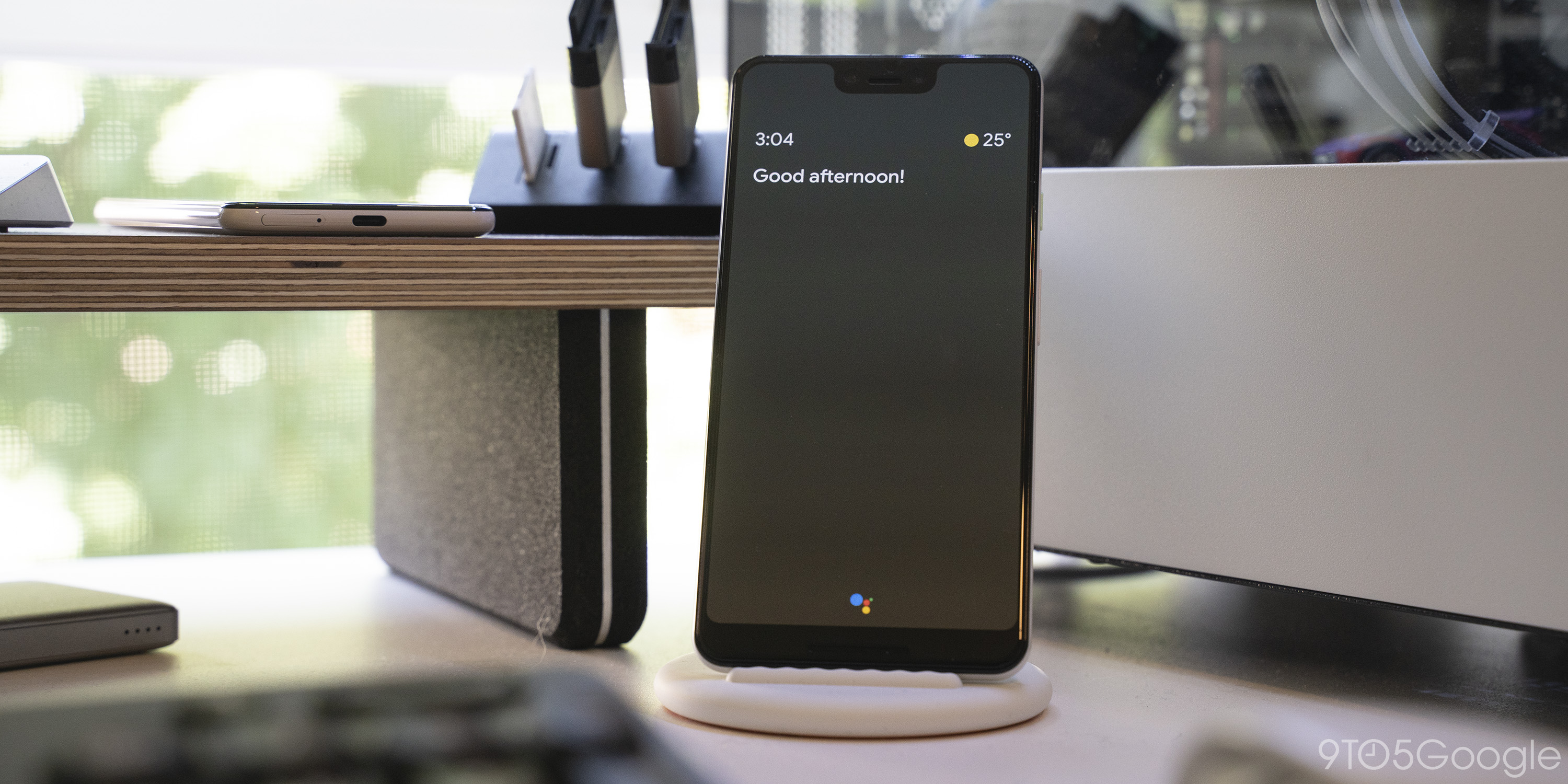 Google Assistant Ambient Mode rolling out to more phones [Gallery]