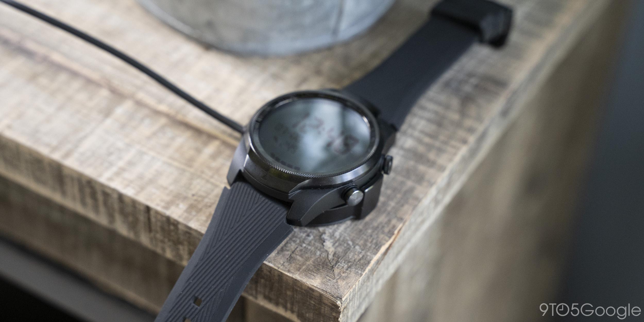 ticwatch pro 4g charging
