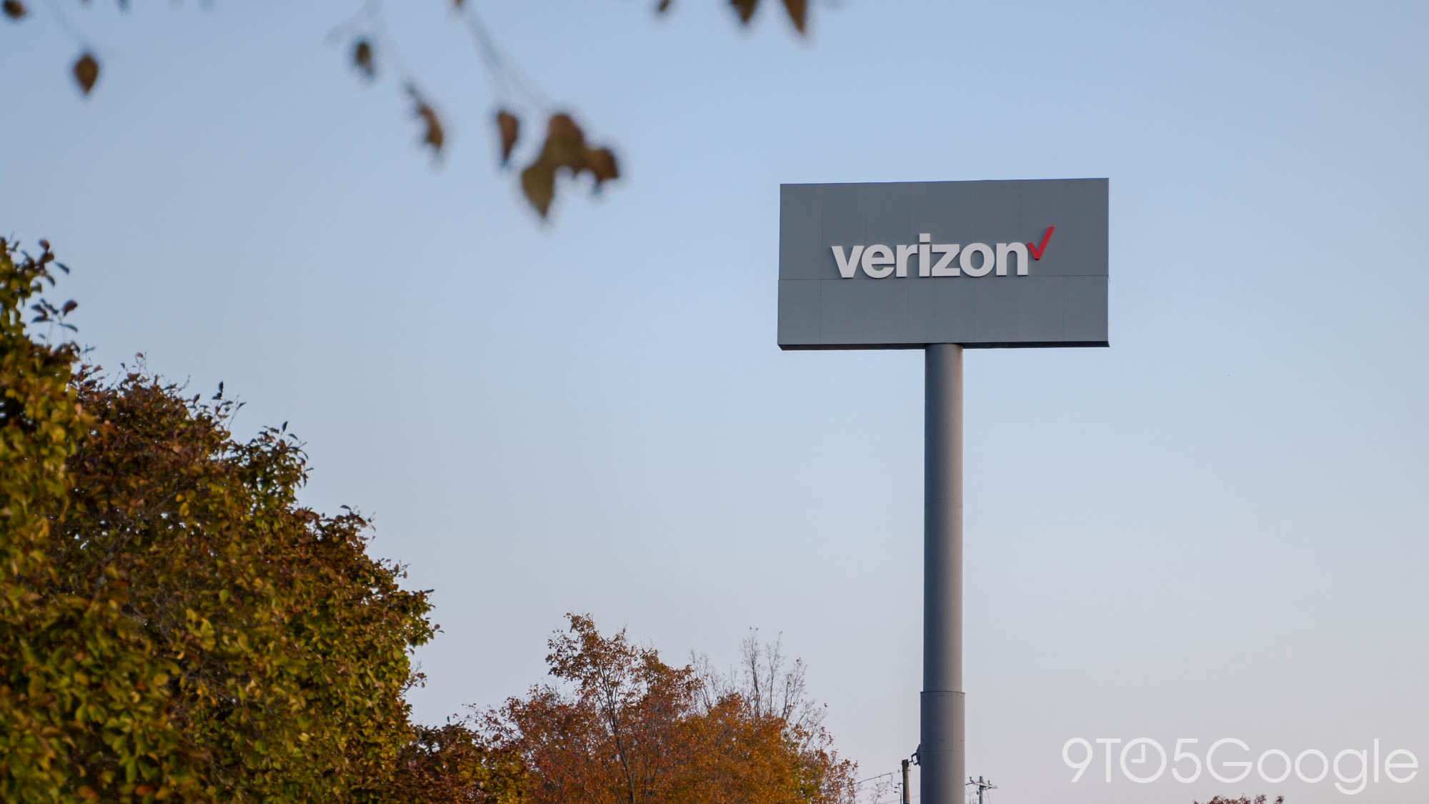 Verizon will acquire Tracfone, the largest MVNO in the US, for over $6... image