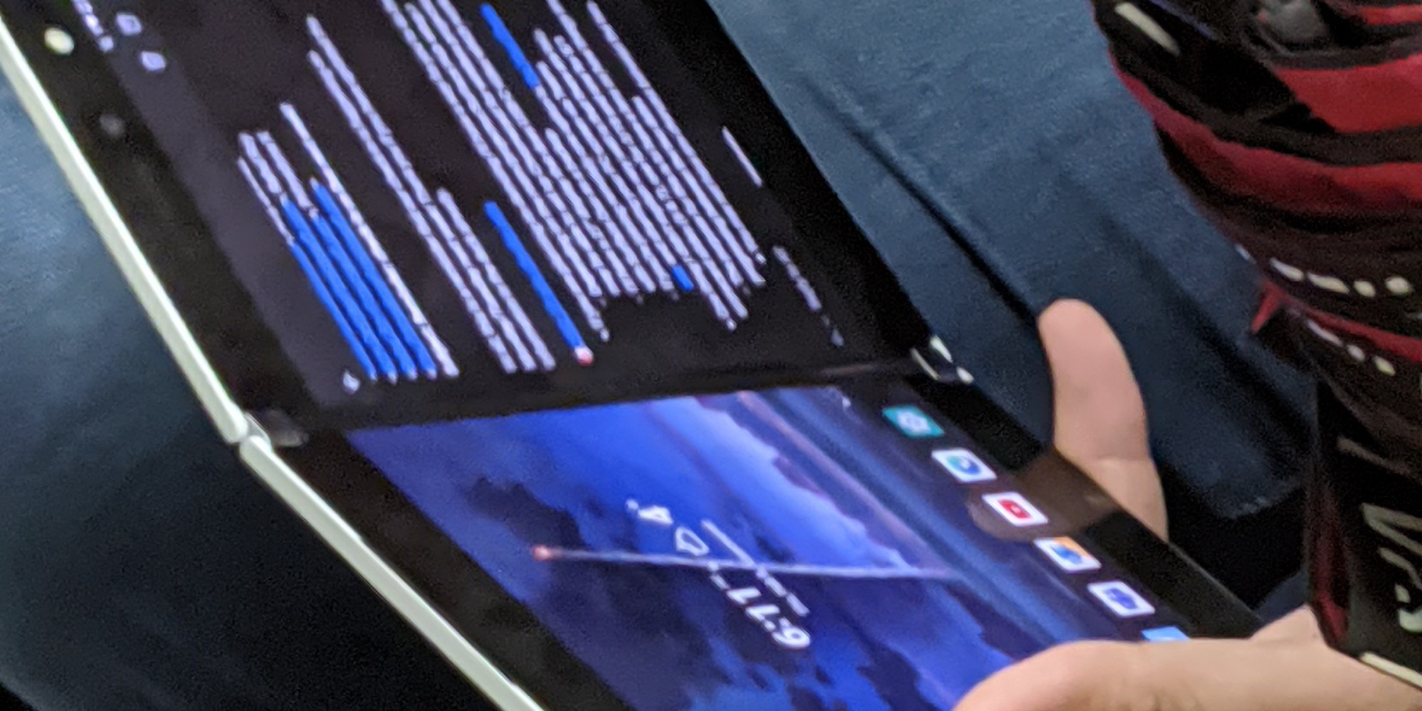 Microsoft Surface Duo spotted in the wild with apparent front-facing flash - 9to5Google