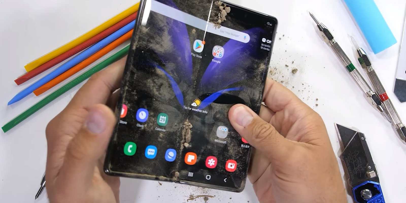 Galaxy Fold 2 durability test shows the strong hinge [Video]