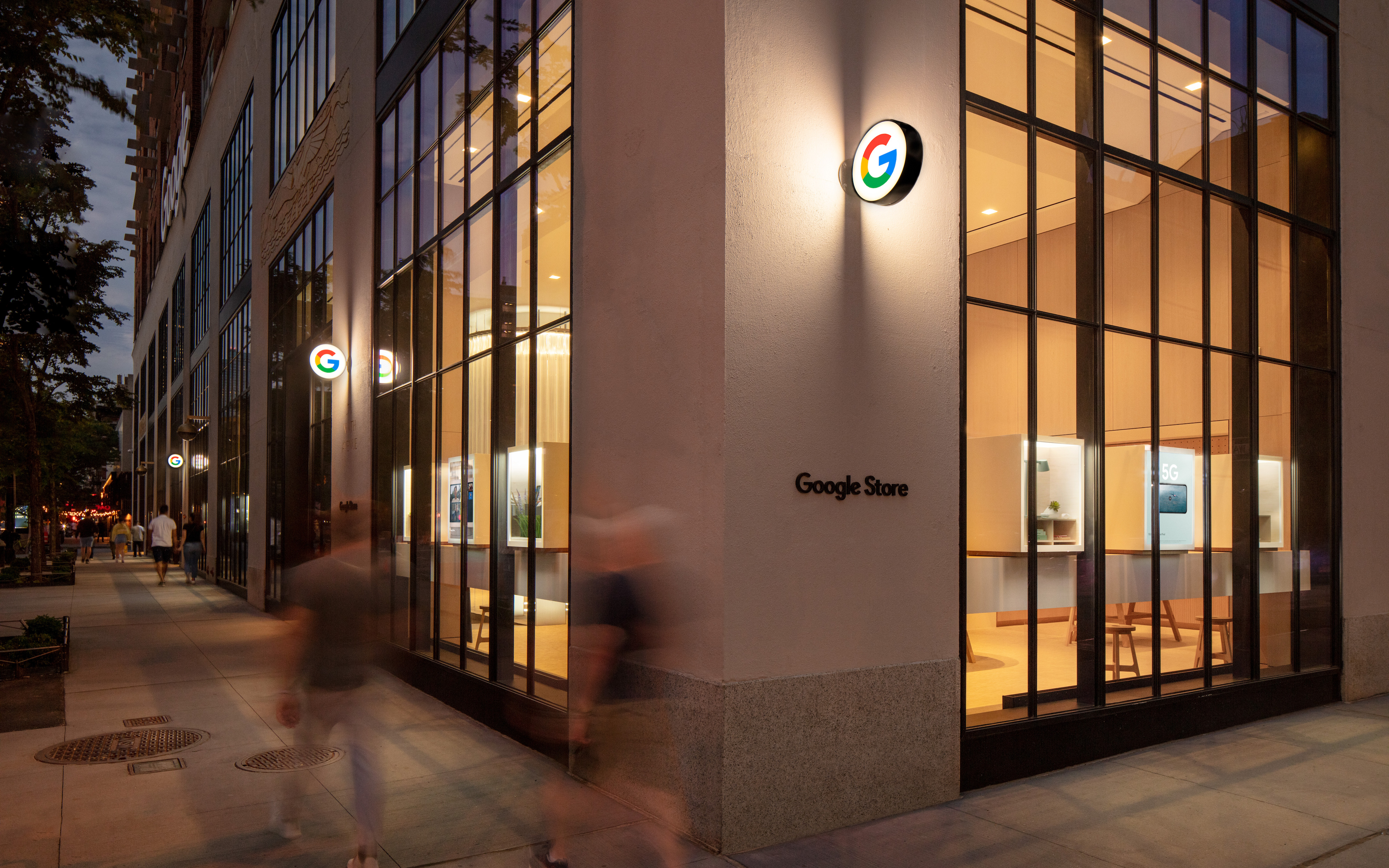 Here's a tour of the first Google Store in New York City [Gallery] - 9to5Google thumbnail